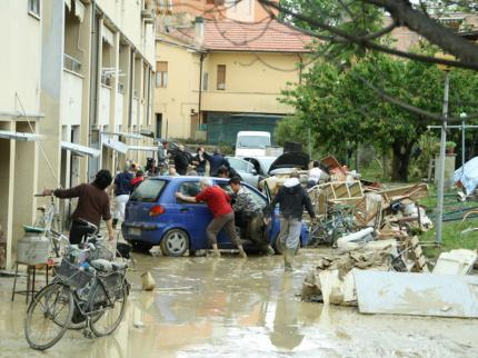 Il giorno dopo l'alluvione di Senigallia del 3 maggio 2014 -Foto Lorenzo Ceccarelli