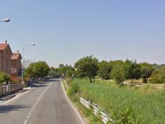 Il fosso di via Fornaci, a Marina di Montemarciano, prima della manutenzione idrica