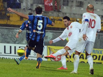 Un momento del match tra Pisa e Ancona