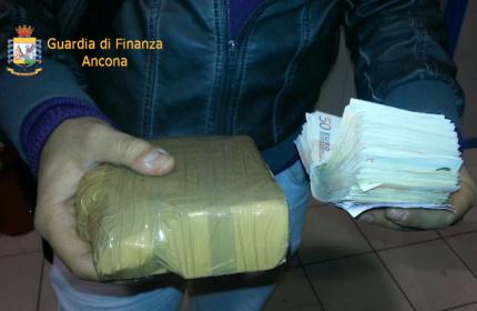 Operazione di contrasto allo spaccio di cocaina da parte della Guardia di Finanza di Ancona