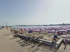 Fano, il lungomare e la spiaggia al Lido