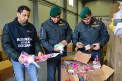 I giocattoli sequestrati da Guardia di Finanza e Agenzia delle Dogane
