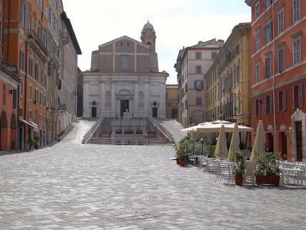 Ancona: piazza del Papa o piazza del Plebiscito