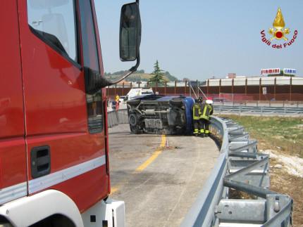L'incidente sulla rampa di uscita dell'A14 ad Ancona sud