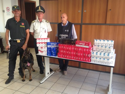 Sigarette sequestrate al porto di Ancona
