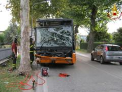 L'incidente occorso a un autobus di linea a Castelferretti