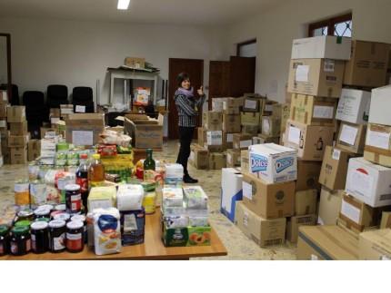Raccolta di cibo a Jesi, volontariato