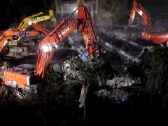 I lavori di demolizione del cavalcavia di strada del Giardino a Senigallia