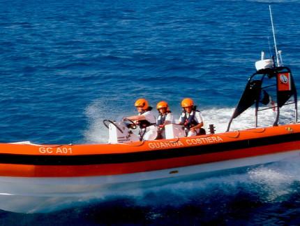 Gommone della Guardia Costiera