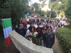 Le celebrazioni per il IV Novembre a Falconara con la deposizione di una corona al monumento ai caduti