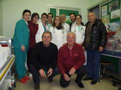 Personale del Salesi di Ancona con gruppo La Pasquella e sindaco di Sant'Elpidio a Mare