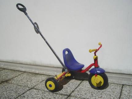Cade dal triciclo, bambino di un anno muore al Salesi