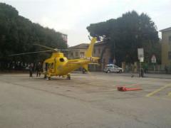Eliambulanza atterrata davanti alla stazione di Senigallia