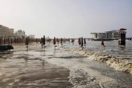 La mareggiata del 16 giugno 2016 a Senigallia
