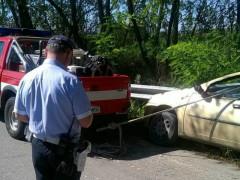 Corinaldo: auto si schianta contro un guardrail
