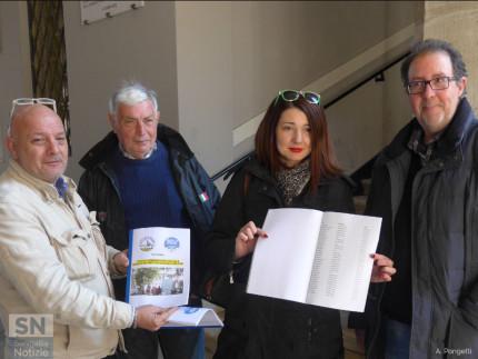 Petizione contro i parcheggiatori abusivi a Senigallia