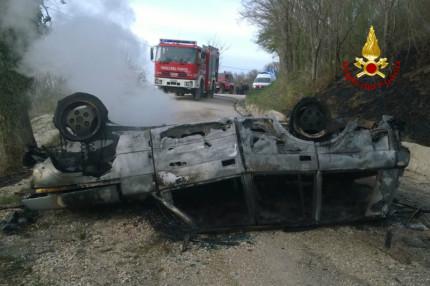 Arcevia: incidente mortale con auto andata a fuoco