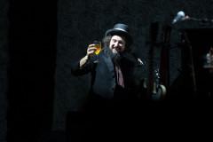 Vinicio Capossela in concerto al Teatro delle Muse di Ancona - foto di Simone Luchetti