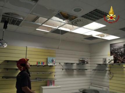 Maltempo: danni in centro commerciale a Pozzetto di Castelplanio