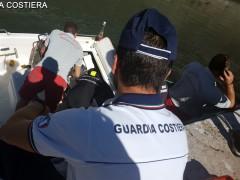 Barca affondata in porto