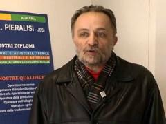 Il dirigente scolastico Mario Crescimbeni