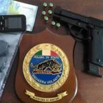 Denuncia per procurato allarme, pistola