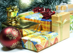 acquisti, regali di natale, consumi, confezioni