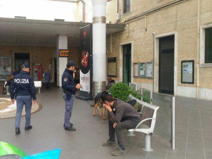Controlli della Polizia in stazione