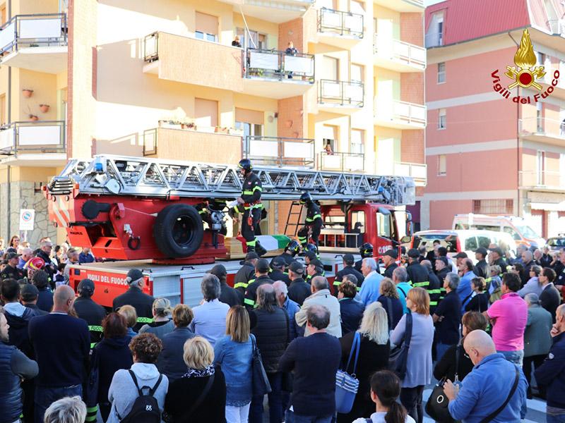 Funerale solenne per il vigile del fuoco Cristiano Lucidi