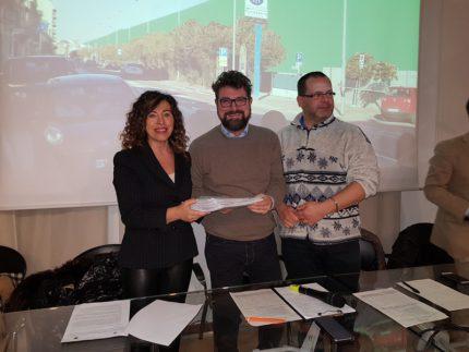 Raccolta firme a Falconara contro la realizzazione delle barriere