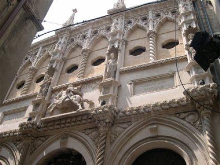 Loggia dei mercanti ad Ancona