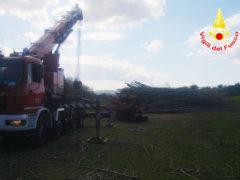 Trattore rovesciato a Varano di Ancona: intervento dei VVFF