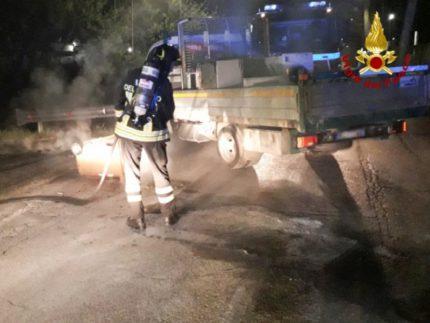 Incendio di un autocarro