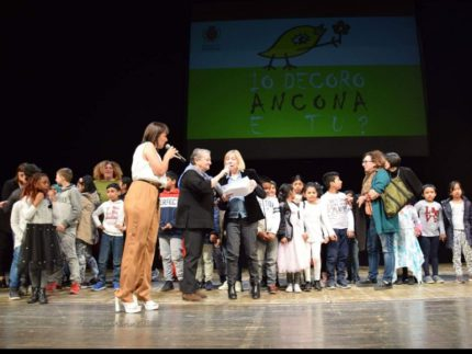 """Premiazione del progetto """"Io decoro Ancona"""""""