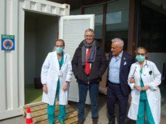 Il governatore Ceriscioli in visita al pre-triage istituito a Torrette