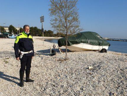 Controlli in spiaggia della Polizia Locale di Falconara