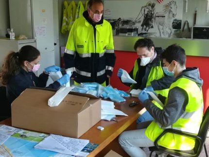 Mascherine di protezione distribuite a Falconara