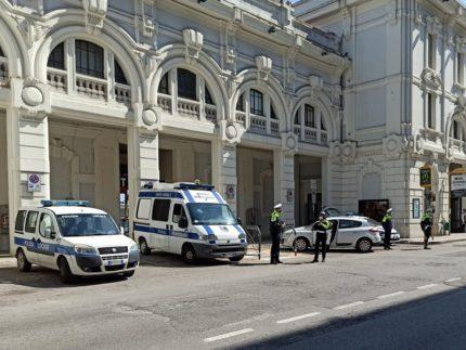 Controlli della Polizia Locale presso la stazione ferroviaria di Falconara