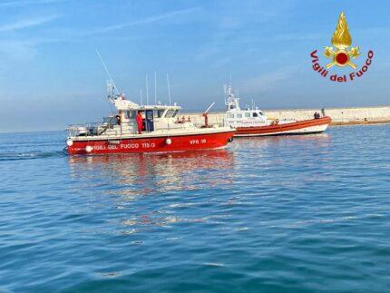 Imbarcazione dei Vigili del Fuoco
