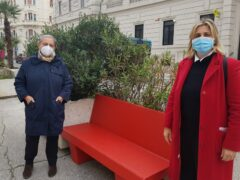 Panchina rossa installata ad Ancona