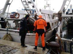 Soccorso di un uomo caduto in mare presso il porto di Ancona