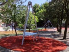 Nuovi giochi al parco Kennedy di Falconara