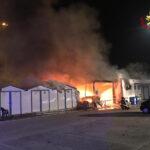 Incendio al porto turistico Marina Dorica