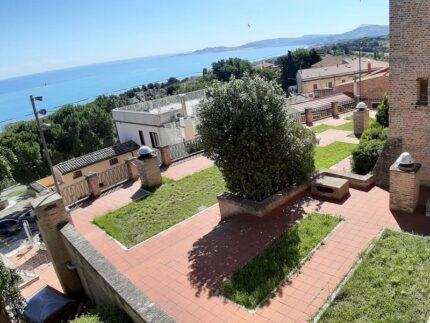 Giardino pensile del Castello di Falconara