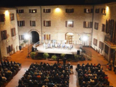 Corte del Castello di Falconara