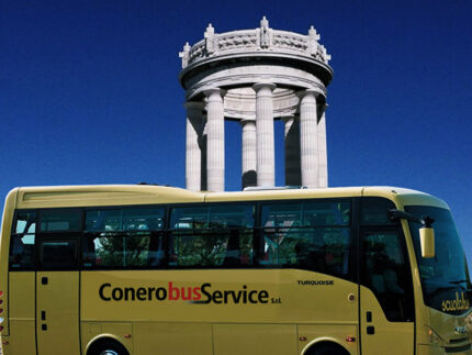 Scuolabus della Conerobus ad Ancona
